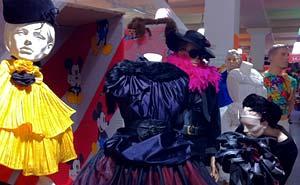 Colours är en Berlins största vintagebutiker. Foto: Berlinow.com