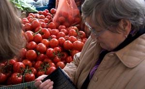 Tomater. Turkiska marknaden i Neukölln. Foto: Berlinow.com