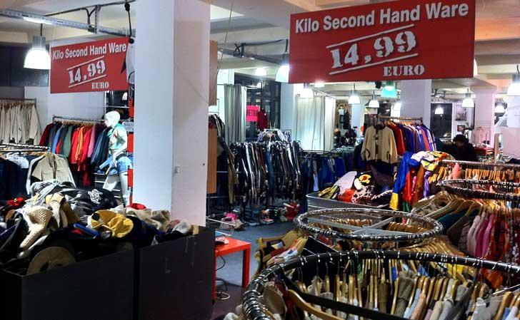 14,99 euro kostade ett kilo kläder 2011. Idag gäller 25 euro och uppåt. Foto: Berlinow.com