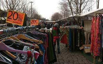 Loppmarknaden i Mauerpark. Foto: Berlinow.com